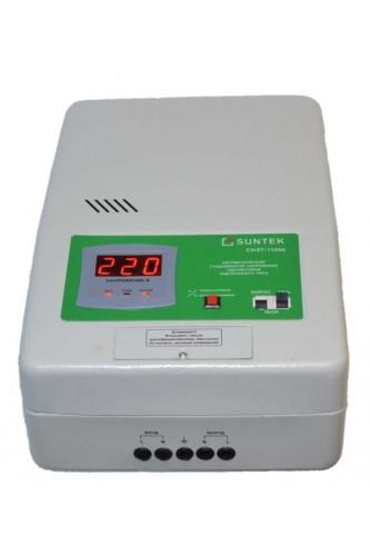 Стабилизатор напряжения релейныйного типа: SUNTEK 2000 ВА